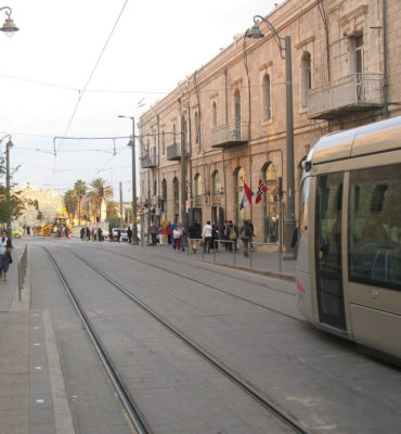 Tramway de Jérusalem construit par Alstom modèle citadis